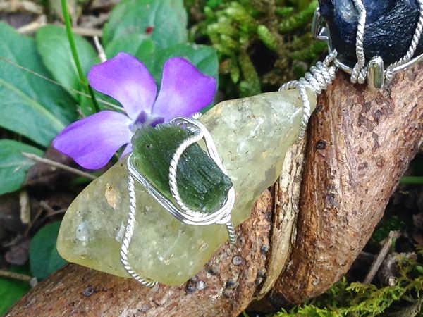 moldavite-libyan-desert-glass-pendant-200c – Moldavite Life